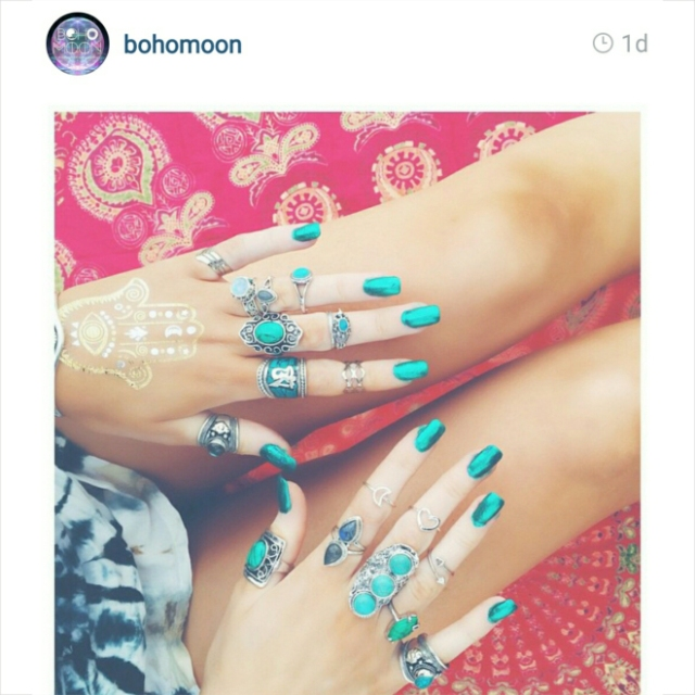 Inspiration: Bohemian Style Blue Nails